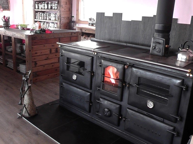 The Homewood Matriarch | Homewood Stoves - cast-iron wood stove  manufacturers - The Homewood Matriarch Homewood Stoves - Cast-iron Wood Stove